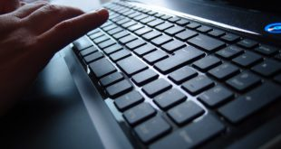finger-tippen-schnell-tastatur-test